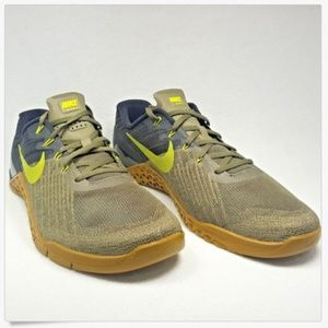 Nike Metcon 3 Medium Olive Bright Cactus Training